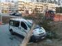 2019.03.26 Drzewo na samochodzie ul. Hynka os. Sterowców